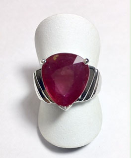 Ring with ruby, 8,92 ct.