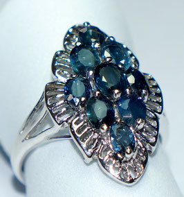 Ring   9 Sapphires