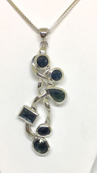 One for a kind handmade Pendant with sapphires 14,63 ct.
