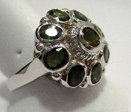 Ring with green Sapphires