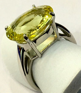 Ring with lemon quartz, 7,55 ct.