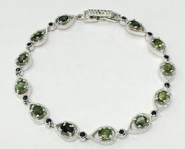 Bracelet with green sapphires, 4,24 ct. and blue sapphires, 0,62 ct.
