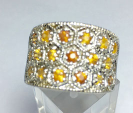 Ring with yellow sapphires, 1,6 ct.