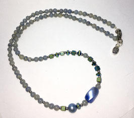 Necklace with agate and hematite beads