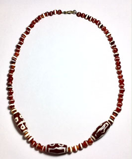 Handmade necklace with agate beads