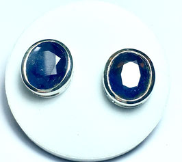 Studs with sapphires, 12,33 ct.