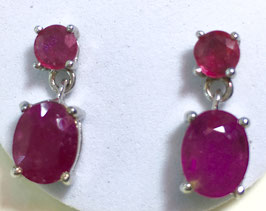 Studs with ruby, 5,9 ct.