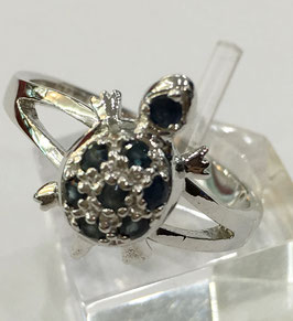 Ring turtle with 8 blue sapphires,0,28 ct.