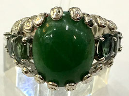 Ring with chalcedony 5,25 ct. and 6 green sapphires 1,79 ct.