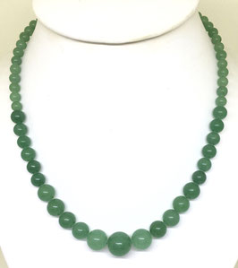 Necklace with aventurine beads