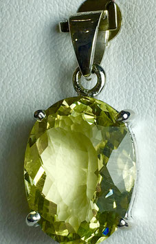 Pendant with lemon quartz, 6,95 ct.