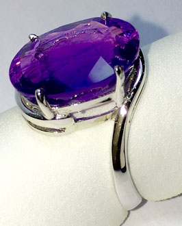 Ring with amethyst, 7,75 ct.