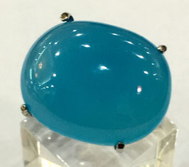 Ring with blue chalcedony, 17,58 ct.