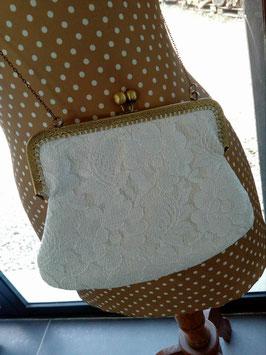 sac pochette dentelle