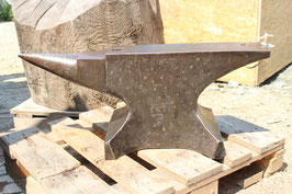 # 3606 - excellent in shape historical Söderförs anvil , weight marked 143 kg / 315 lbs , dated 1932