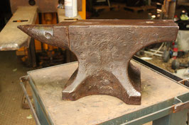 """SOLD TO TONY # 1985 - 1943 dated single horn anvil in good shape , marked """" C B """" , 63kg / 139 lbs"""