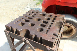# 3596 - big german swage block with stand