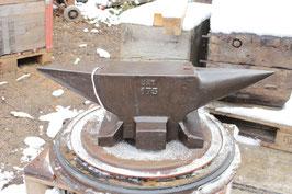 # 2650 - vintage belgian UAT anvil marked 175 kg = 385 lbs , in very nice original condition