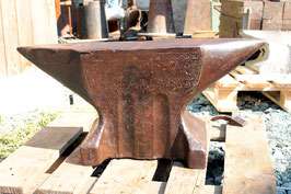 # 2471 - antique museum piece french anvil , PARIS 1833 ! , aprox. 275 lbs