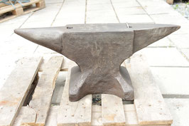 # 2881 - old forged german anvil with 107,5 kg marked = 237 lbs , flat face , clean edges