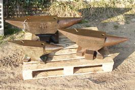# 3149 - 3 x UAT anvils : 50kg ( 110 lbs ) - 100kg ( 220 lbs ) - 150 kg ( 330 lbs ) in nice condition