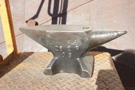 # 2826 - Refflinghaus table anvil , 28 kg marked = 62 lbs