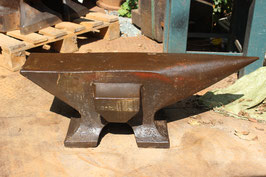 # 2120 - very special french pig style anvil with upsetting block , dated 1897 - FIRMINY - 205kg / 451 lbs
