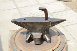 # 2805 - SH anvil , antique dated 1887 - No.1 marked 115,5 kg = 254 lbs