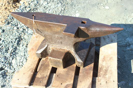 # 3405 - very nice hand forged south german anvil w. 168 kg marked = 370 lbs