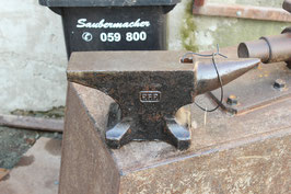 # 2216 - vintage PFP Peddinghaus anvil with square hardy , simply perfect condition +++ 53 lbs ++ direkt shipping on postal way for just 100 euros