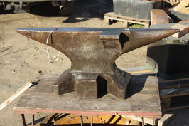 """# 3131 - vintage forged south german anvil with side wing - marked """" EMA """" , weight marking 230kg = 506 lbs - in very good condition , just traces of surface rust"""