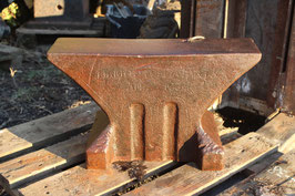 # 3440 - Museums anvil , collectors piece , CHAMOUTON A PARIS , dated 1834  !! weighed 270,5 lbs