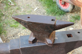 # 2047 - vintage 55 lbs german table anvil - perhaps Peddinghaus , excellent condition !