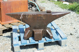 # 2861 - historical german H.P. Winterhof, Hans Peter Winterhof anvil dated 1929 , marked 164 kg = 361 lbs , including 4 hardys
