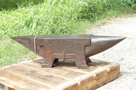 # 3301 - antique french Aubry anvil dated 1864 !! , 204kg marked = 449 lbs