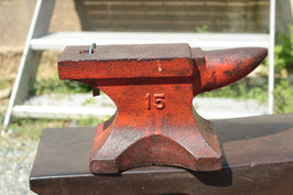 # 2430 - CUTE VINTAGE TABLE ANVIL WITH JUST 15KG / 33 lbs