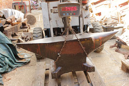 # 2837 - ENORMOUS FRENCH ANVIL 740,5 LBS WEIGHED - 44 X 8 X 14,5 INCHES ; VERY GOOD CONDITION ; EXCELLENT PERFORMANCE