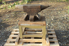 # 3012 - vintage east german anvil with about 330 lbs - in good working order