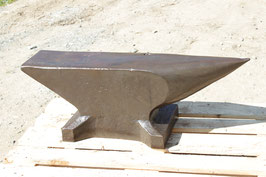 # 3165 - SUPERMASSIVE FRENCH ANVIL ; 8 INCH FACE - 671  1/2 lbs - all original condition no repairs