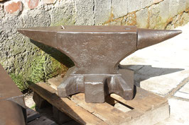 # 3173.2 - original PFP Peddinghaus anvil , forged marked 253 kg = 557 lbs - simply super condition