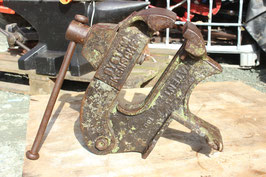 # 3482 - very rare good working collectors PATENT vise