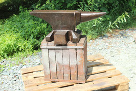 # 3582 - VERY good excellent condition german WW1 Sichelschmidt Schlasse anvil , dated 1941 with 177 kg marked 389 lbs