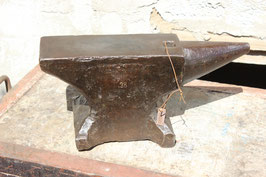 # 2014 - forged german single horn anvil , marked 28 kg / 62 lbs , minor signs of use