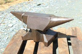 # 3535 - very rare double horn bavarian pattern anvil with 100 kg / 220 lbs