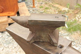# 2327 - perfect condition industrial single horn anvil with 55 lbs