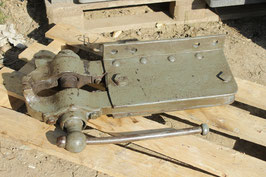 # 3175 - nice vintage geman forged vise with about 99 lbs
