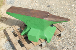 # 2835 - big green bargain anvil , 525 lbs weighed ,  vintage german , quite straight condition , no repairs