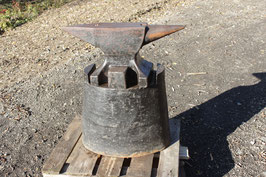 # 3397 - vintage Original PFP Peddinghaus anvil with 275 lbs , comes with its original  oval cast iron base