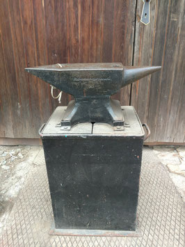 # 2733 - 50kg ( 110lbs ) Peddinghaus anvil with original stand . Perfect condition - just surface stains