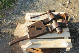 # 3368 - massive german vise , truely antique dated 1851 , weighed a 182,5 lbs in working condition